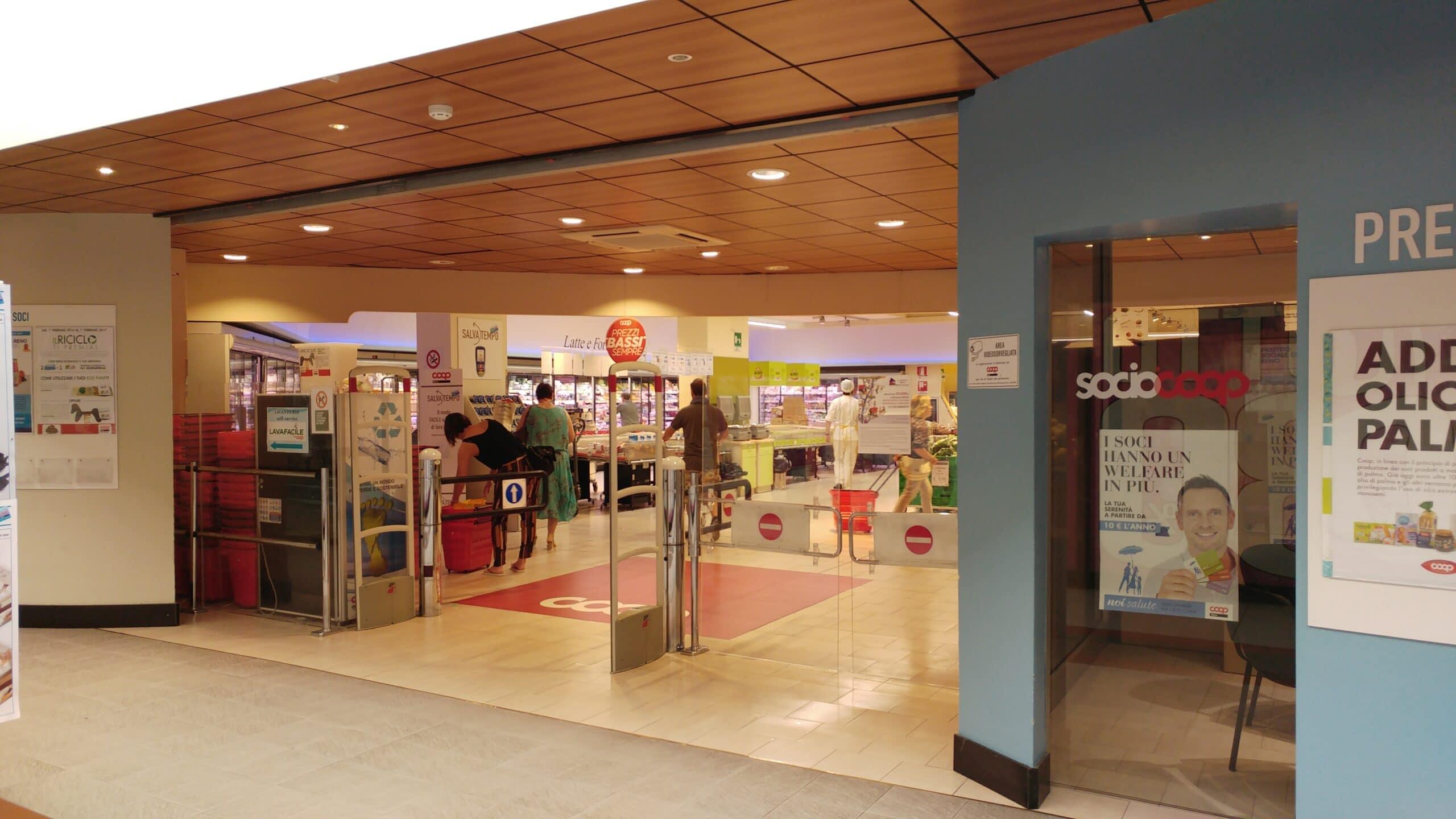Ingresso Coop Reno Supermercato Medicina